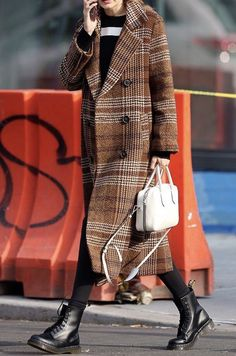Dr. Martens, Dr Martens Stil, Dr Martens Boots, Dr Martens Outfit, Tokyo Street Fashion, Mode Outfits, Fashion Outfits, Martens Style, Grunge Style