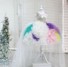 Luxe Rainbow unicorn dress If you are having a unicorn themed party for your princess this dress is the ultimate must have. Plum Flower Girl Dresses, Toddler Flower Girl Dresses, Dresses Kids Girl, Little Girl Outfits, Toddler Pageant Dresses, Fashion Show Party, Kids Gown, Unicorn Dress, Kids Frocks