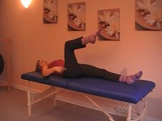 In diesem Video zeigt die Heilpraktikerin Susanne Unger aus Lich einige Selbsthilfe-Übungen der Dornmethode. Diese können bei Beschwerden des Bewegungsappara...