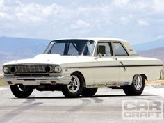 1964 Ford Fairlane 500 - 15:1-compression ratio, 427ci High-Riser FE, dual quads, a G-Force four-speed, and 9.90-second quarter-mile times