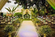 Garden Weddings, Unique Weddings, Wedding Reception, Check, Marriage Reception, Backyard Weddings, Wedding Reception Ideas, Wedding After Party, Wedding Ceremonies