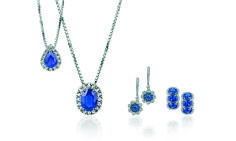 Almost indescribable, eye-cathing, beautiful, and truly exceptional set of jewelries from Mirco Visconti. Necklace and earrings with diamonds and sapphires.