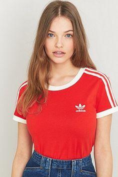 adidas Originals Sandra 1977 Red T-shirt - Urban Outfitters