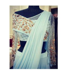 Saree blouse and setting Saree Styles, Blouse Styles, Latest Saree Blouse Designs, Traditional Blouse Designs, Modern Saree, Stylish Blouse Design, Designer Blouse Patterns, Lehenga Designs, Indian Designer Wear