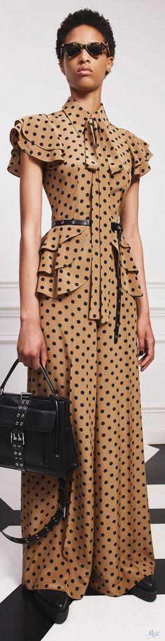 Long polka dot dress with black accessories Fashion 2020, Fashion Show, Fashion Design, Modest Fashion, Fashion Dresses, Michael Kors Collection, Dot Dress, Bronze, Style Inspiration