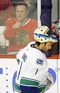 Vincent Vaughn and hockey Blackhawks Game, Chicago Blackhawks, Chicago Hockey, Hockey Baby, Ice Hockey, Hockey Room, Hockey Pictures, Vince Vaughn, Hockey Memes