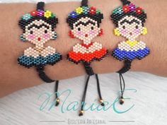 Aucune description de photo disponible. Beaded Rings, Beaded Jewelry, Beaded Bracelets, Peyote Stitch, Brick Stitch, Loom Beading, Perler Beads, Cross Stitch Patterns, Knitting