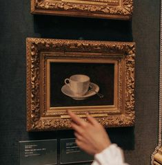 Brown Aesthetic, Aesthetic Vintage, Aesthetic Art, Aesthetic Pictures, Gothic, Dark Paradise, Jolie Photo, Slytherin, Hogwarts