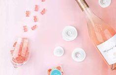 Les bonbons au rosé, la super friandise qui dit nique-toi à la vie d'adulte en mettant de l'alcool dans des bonbec'. Excellent diront les vrais, trop dégueu pour les rageux, alors, t'es de quelle team ?