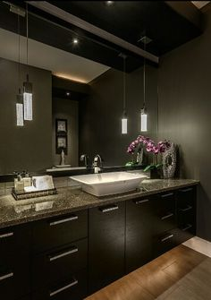 Dramatic bathroom decor and lighting-Houzz