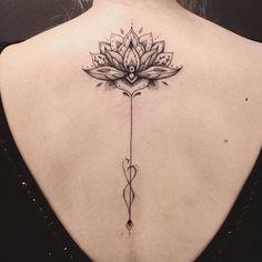 Flor de lótus por Marta Carvalho! #MartaCarvalho #TokaStudio #tattoobr #tattoodobr #lotusflower #flordelotus #flor #flower