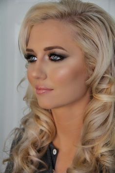 The Bridal Dish adores this beautiful wedding makeup!! Are you still looking for your BEAUTY expert?:  http://www.thebridaldish.com/vendors/listings/C19