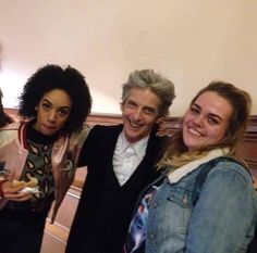 """kitt66: """"Kris Dutson @SouthernScenic Well, there was my daughter @AmyDutson minding her own business on her way to a practical @cardiffuni when up pops @bbcdoctorwho - cool """""""