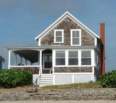 This photo from Maine, Northeast is titled 'House on Wells Beach'. Maine Cottage, Cottage Homes, Cottage Style, Cottages By The Sea, Beach Cottages, Wells House, Kennebunk Maine, Les Hamptons, Maine Beaches