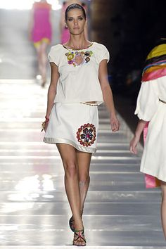 Louis Vuitton Spring 2006 RTW - Runway Photos - Vogue