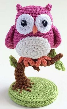 Crochet Amigurumi Design Crochet Owl on a Tree Free Pattern-Amigurumi Owl Crochet Pattern Free, Crochet Birds, Crochet Patterns Amigurumi, Cute Crochet, Crochet Crafts, Crochet Dolls, Crochet Projects, Free Pattern, Owl Patterns