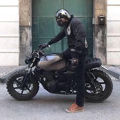 Honda Cafe Racer - Home of the CB family Cb 500 Cafe Racer, Cafe Racer Moto, Cafe Racing, Cafe Racer Bikes, Bmw R 80, Honda Cb 500, Gs500, Scrambler Motorcycle, Grom Bike