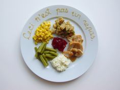 Piet Mondrian René Magritte Vincent van Gogh Pablo Picasso Jackson Pollock Georges Seurat Andy Warhol In this fun series of photos titled Thanksgiving Special, San Francisco-based artist Hannah Rothstein imagines Thanksgiving dinners as plated by famous artists throughout history. Gravy, corn, mashe