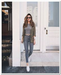 Pin by aoi htet on fashion in 2019 mode jeans, mode vetement Mode Outfits, Chic Outfits, Spring Outfits, Trendy Outfits, Fashion Outfits, Outfit Summer, Dress Fashion, Simple College Outfits, Fashion Ideas