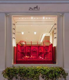 Hermes Window, Hermes Store, Horse Arena, Pantone 2020, Front Windows, Visual Display, Wood Design, Set Design, Window Art
