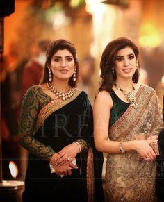 Right side vali mast he.the velvet saree Pakistani Wedding Outfits, Pakistani Dresses, Indian Dresses, Ethnic Outfits, Indian Outfits, Traditional Fashion, Traditional Outfits, Velvet Saree, Simple Sarees