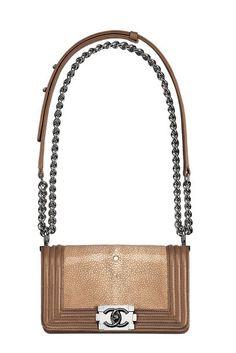 """Chanel """"Boy Bag"""" Kollektion: Modell in Mini-Format und aus exotischem Leder in Cognacfarben"""
