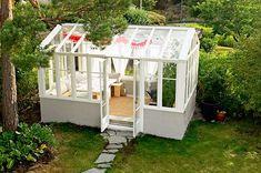 Drömmen om ett växthus blev sann när Jonas Blom gjorde slag i saken och byggde ett på egen hand. Så här gick han till väga! Sunroom, Slag, Garden, Inspiration, Greenhouses, Fingers, Mars, Future, Shed