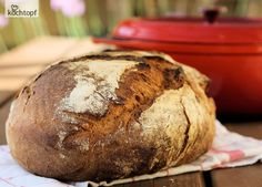Das Brot-Topfback-Fieber ist ausgebrochen! Sandra backt seit September Topfbrote oder DOpf-Brote, wie sie sie nennt. Schelli hat kürzlich einen Vergleich gemacht - Brot im Topf gegen superduper Manz. Topfbrot hat gewonnen. Das musste Jutta als Manz-Besitzerin...