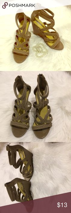 👡Charlotte Russe Taupe Strappy Wedge Sandals! 👡 👡Taupe colored strappy wedges by Charolette Russe! Goes well with a lot!👡 Size: 7 Moderate wear, some scuffs on back and sides of wedge. Charlotte Russe Shoes Wedges