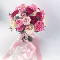 Букет невесты из пионовидной розы