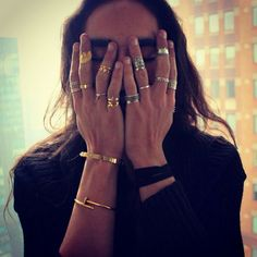 it-feels-so-good-to-be-bad: Willy Cartier on We Heart It -. Willy Cartier, Bon Look, Jewelry Accessories, Fashion Accessories, Jewelry Ideas, Fashion Jewelry, Full Lips, Estilo Fashion, Knuckle Rings