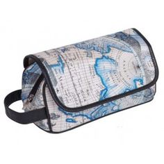 Original neceser, con solapa. http://www.cosaspararegalar.es/regalos-para-hombres/bolso-aseo-travel.html