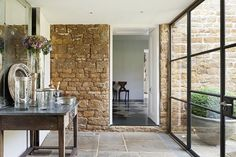 The ultimate conversion from London to Oxfordshire - eingang Luxury Homes Interior, Luxury Home Decor, Interior Design, Interior Ideas, Hall Flooring, Stone Flooring, Barn Conversion Interiors, Barn House Conversion, London Townhouse
