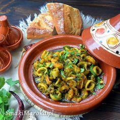 Błyskawiczne rogaliki śniadaniowe z makiem - SmakiMaroka.pl Pasta Salad, Meat, Chicken, Pudding, Ethnic Recipes, Food, Beef, Meal, Custard Pudding