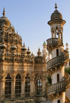 The Mahabat Maqbara mausoleum in Junagadh #India is a late nineteenth century (1892) Muslim tomb. Hardly old enough to be regarded as historical by Indian standards, but a beautiful structure nonetheless!