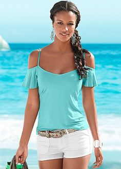 Ruffled cold shoulders add feminine flare to this top! Venus cold shoulder top.