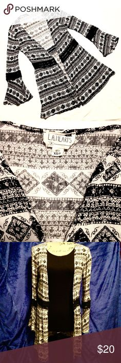 """LA Hearts Bell-Sleeve Boho Kimono Black and white boho style kimono with crochet details around the sleeves and mid section. Worn a couple times and grew out of it. A little wrinkled from being in storage. Size XS/S. Measurements: 32"""" shoulder to hem, 22"""" sleeves. No holes, rips, tears, or stains. Overall great condition! No trades or lowball offers please. LA Hearts Tops"""