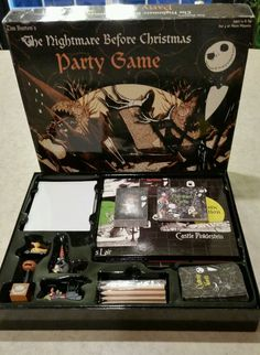 Tim Burton THE NIGHTMARE BEFORE CHRISTMAS PARTY GAME all pieces included. Please tell me this is real..