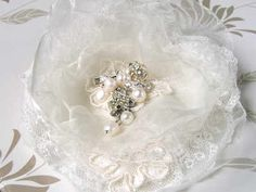 I love this hair pin with the vintage lace, and the pearl detailing is a lovely touch