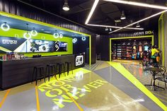 FITBOX by Whitespace, Samut Prakan – Thailand - Tap the pin if you love super heroes too! Cause guess what? you will LOVE these super hero fitness shirts Design Club, Gym Interior, Interior Design, Home Gym Design, Gym Room, Fitness Design, Showcase Design, Design Furniture, Workout Rooms