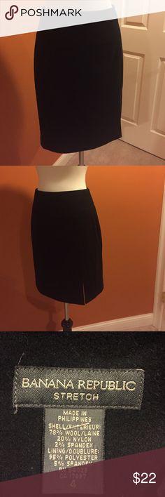 """Banana republic will blend skirt Size 4 black banana republic skirt. 21"""" waist to hem. Slit at bottom left corner. Wool blend. Immaculately kept. Banana Republic Skirts Pencil"""