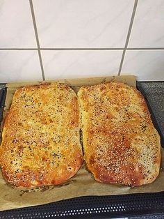 The world's best flatbread - Backrezepte - Pizza recipes Pizza Hut, Pizza Recipes, Bread Recipes, Snacks Recipes, Baking Recipes, Easy Recipes, A Food, Food And Drink, Food Items