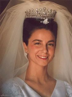 Miss Honoria Glossop:  Dona Isabel de Herédia, the Duchess of Bragança, wife of Duarte Pio, Duke of Bragança, on her wedding day, May 13, 1995