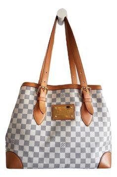 195ddabbfc66 Geveild bij  Catawiki  Louis Vuitton - Damier Azur Hampstead MM bag