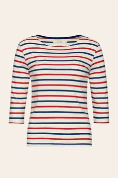 The famous Seasalt Sailor Shirt with slightly shorter sleeves. This classic Breton top is cut from 100% organic cotton with a boat neck and 3/4 length sleeves.