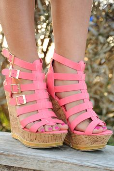Tell The World Wedges: Pink