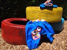 Pantalón bombacho azul de algodón con muñeco de patchwork. P003. 17€