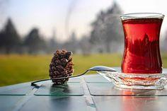 一天的開始來上一杯土耳其紅茶Çay,讓人精神振奮。 ©Ahmet Kaya