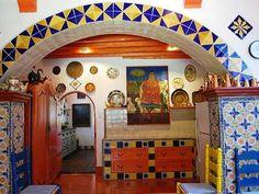 #ridecolorfully #katespadeny #vespa I'd visit Robert Brady's kitchen
