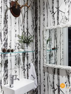 I want this wallpaper, so bad going up my stair case or in my half bath with cream bead board Bathroom Toilets, Wood Bathroom, Small Bathroom, Bathrooms, Dining Room Wallpaper, Wood Wallpaper, Yoga Studio Home, House And Home Magazine, Clawfoot Bathtub